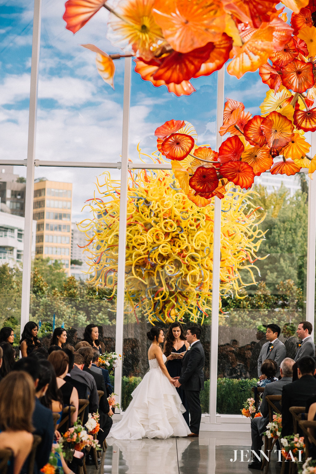 Chihuly Wedding Ceremony | Seattle Wedding Planner | Chinese Wedding Planner