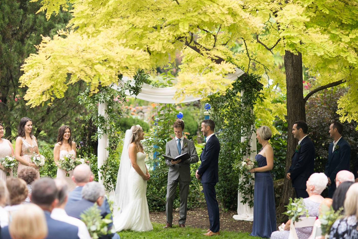 froggsong-gardens-vashon-wedding-coordinator018.jpg