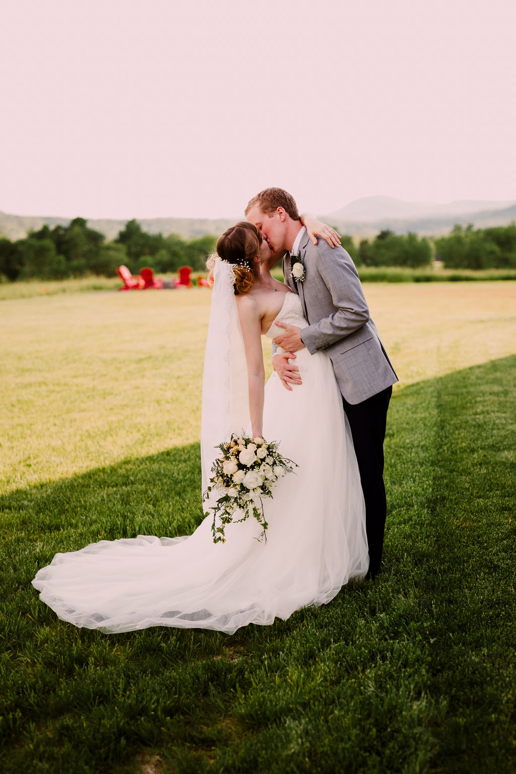 DIYSummerHudsonValleyWedding_HudsonValleyWeddingPhotographer.jpg