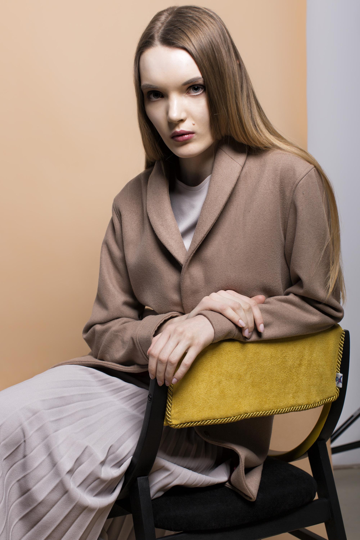 coat KEYCE, t-shirt and skirt PLISSIMA,chair PADU PADU