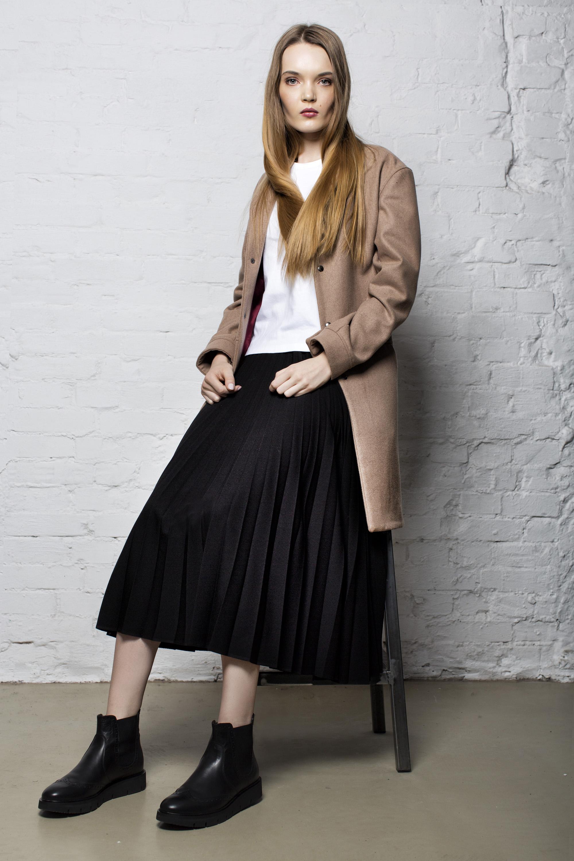 coat KEYCE, t-shirt CHRISTIAN BERG, skirt PLISSIMA, shoes DEICHMANN
