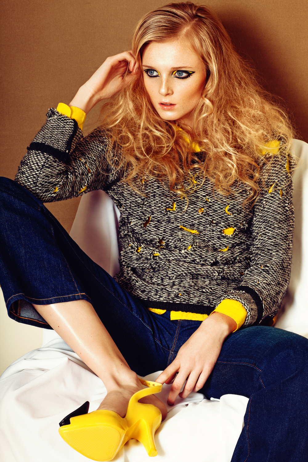 Shirt and Jeans GAP, Sweater VERO MODA, Shoes VIVIENNE WESTWARD for MELISSA