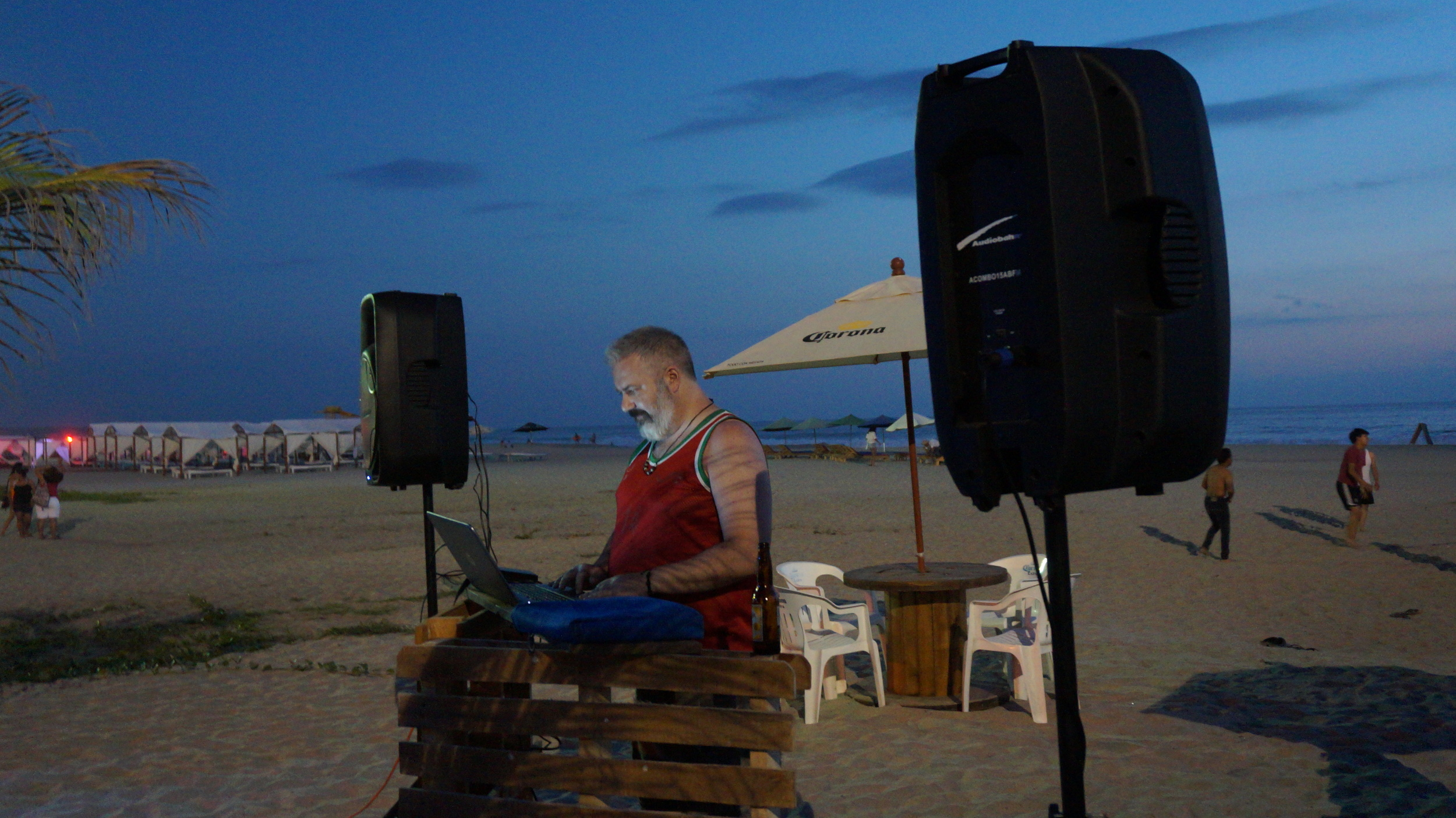 A fellow Canadian tourist managed to snag an early evening DJ gig at a beach bar. Later we went out for street tacos.