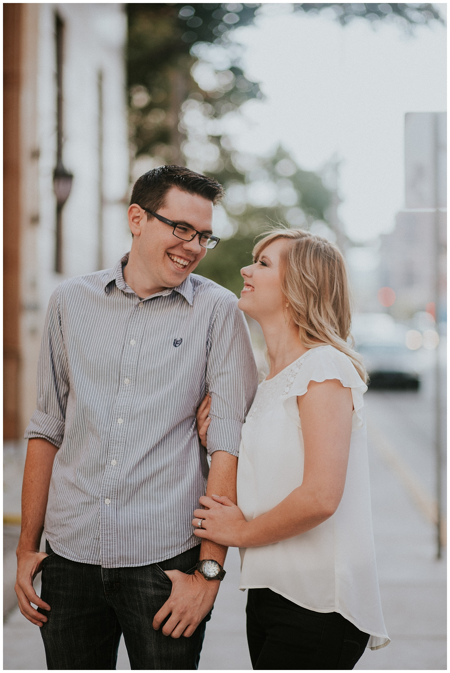 These incredible Albuquerque engagement photos are the perfect combination of rustic and urban style. | Engagement Photo Inspiration by Jasper K Photography | New Mexico Engagement Photography