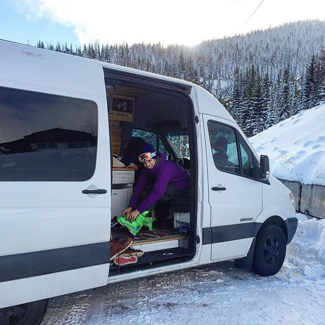 @johnnystifter has always dreamed of using the swivel seat to put on his ski boots at @schweitzer_mountain. The happiest of campers. #sprintervan #sprintervanlife