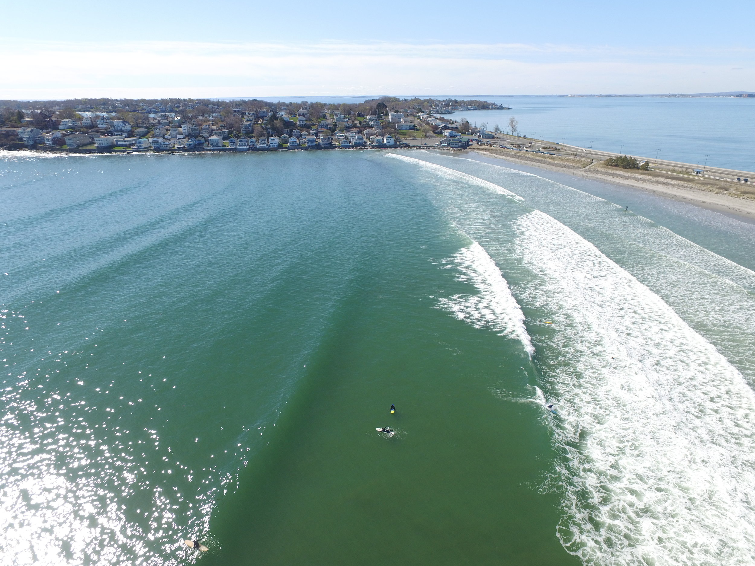 Excellent view of the wave pattern refracting around Nahant.  Aerial pic taken by Alex Debski.