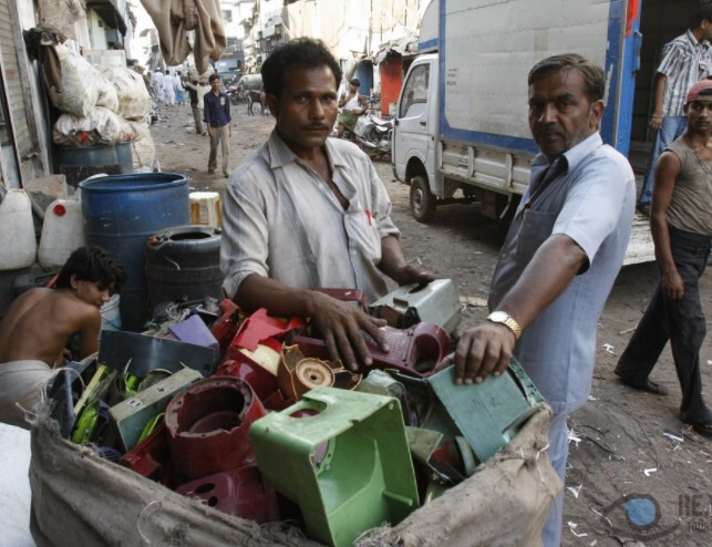 80% of Mumbai's plastic recycling goes to Dharavi. Photo Credit: Reality Tours