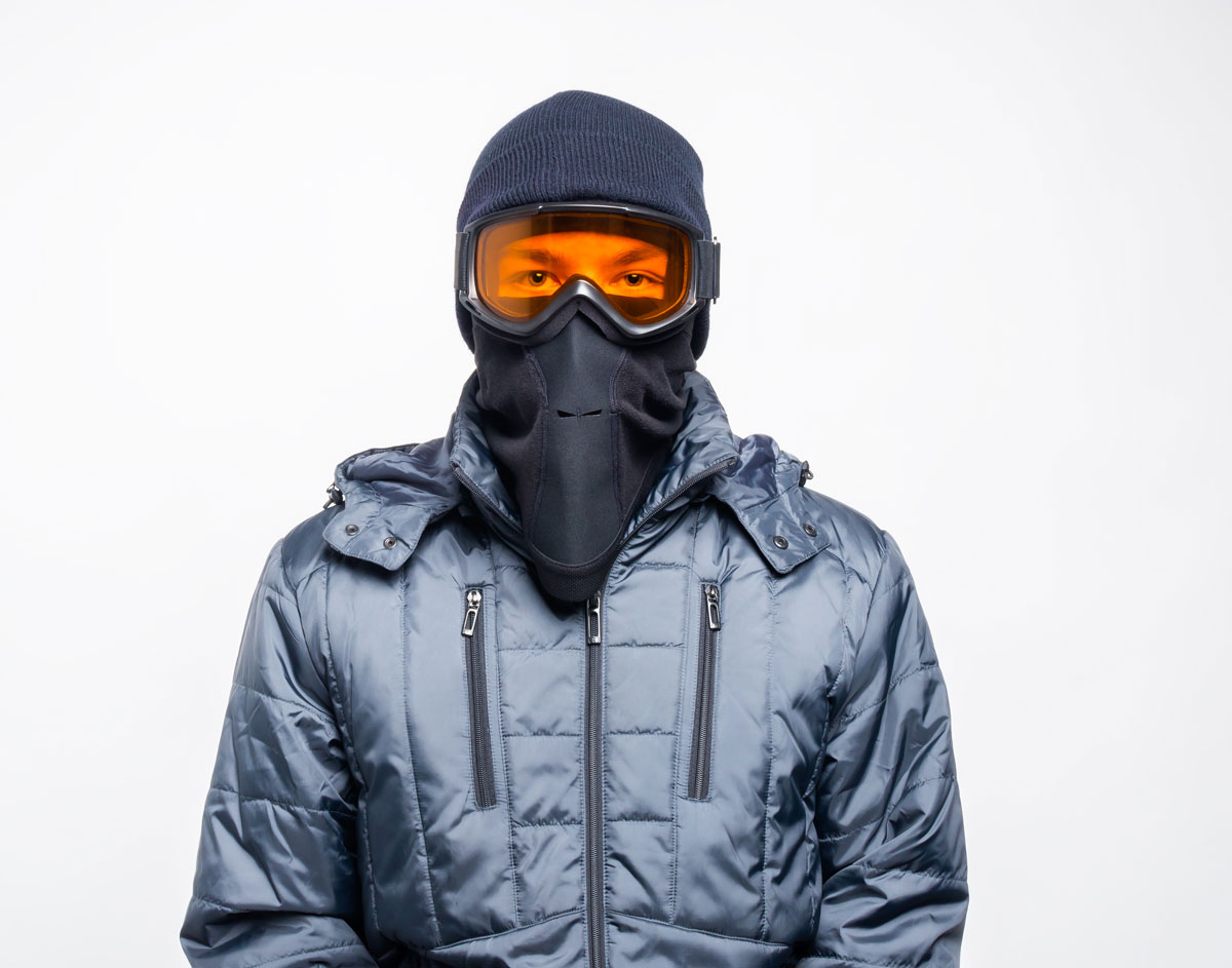 Fog-less - By sending your breath out the small opening in the bottom of the mask, condensation goes nowhere near your goggles.