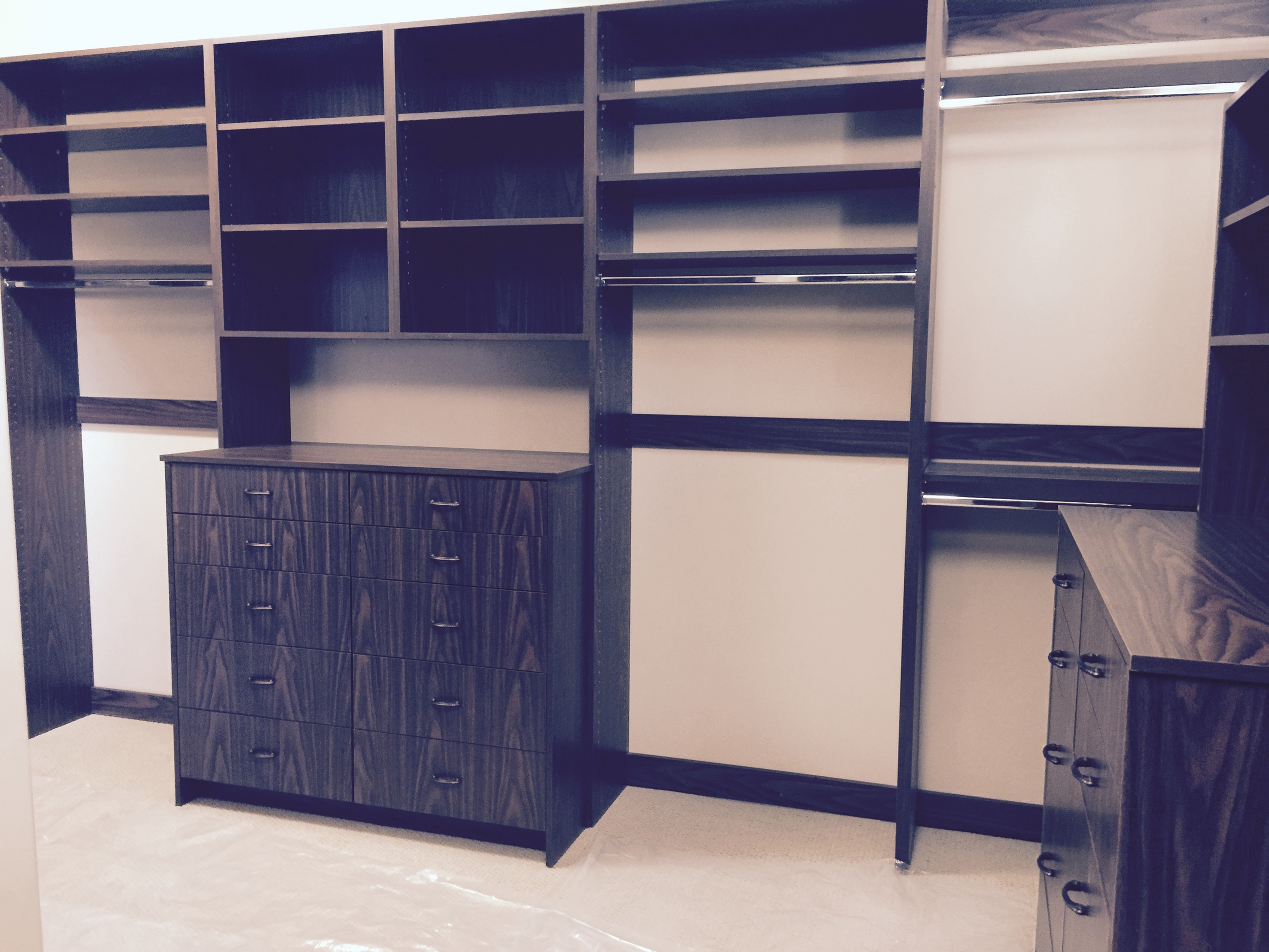 Double hutch drawer unit