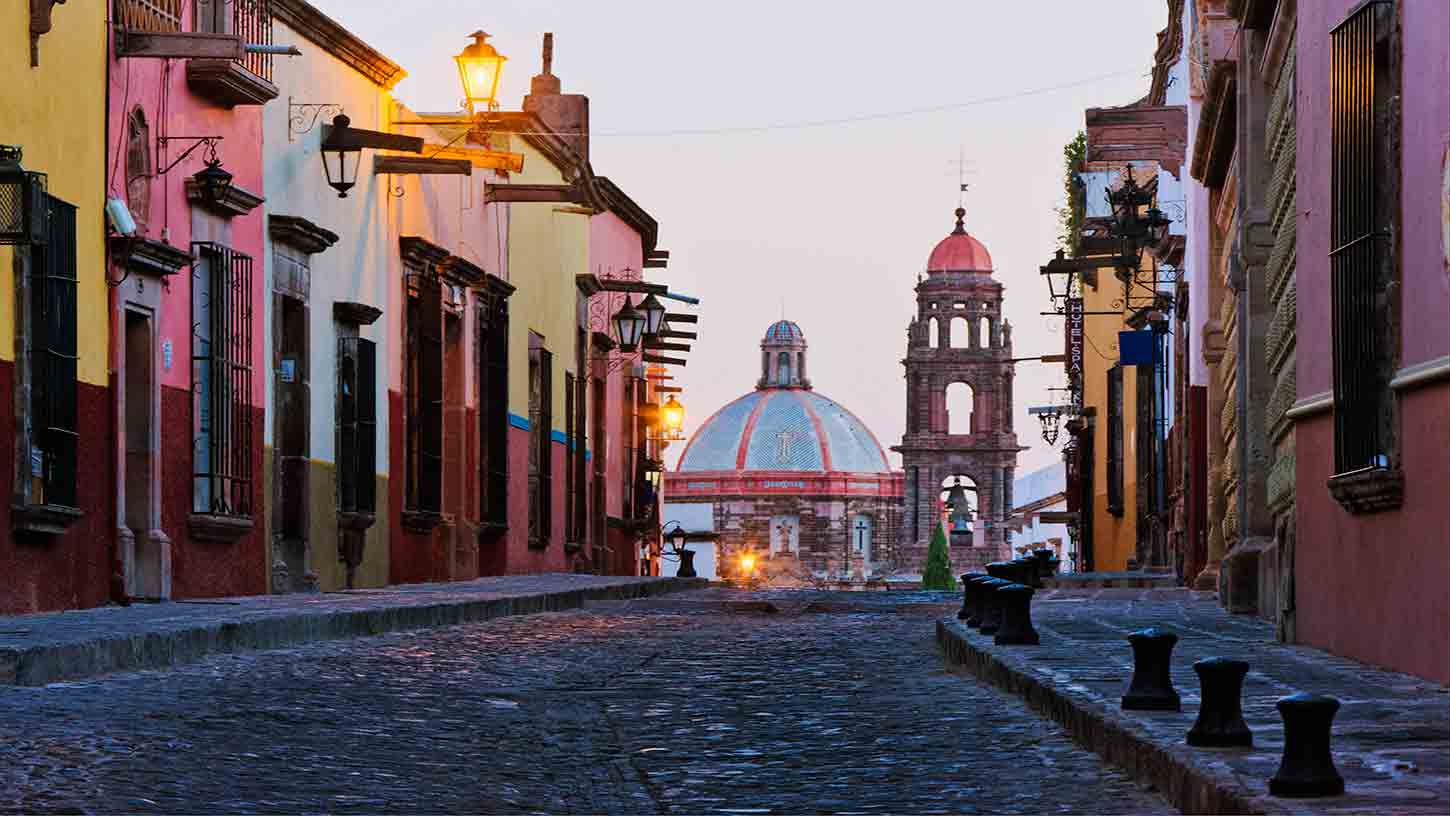 The natural surroundings as well as the tranquility and the safety it provides its inhabitants are just some of San Miguel's attractions for visitors from around the world. High in the cool hills, this colonial gem of cobblestone streets and picturesque churches inspires artists with its color, character, and light. Founded in 1542, San Miguel de Allende is a mix of Hispanic and Mesoamerican influences. Baroque, neoclassical, and neogothic are seen in San Miguel's buildings, notably at the pink stone 18th-century church on the Plaza Principal.