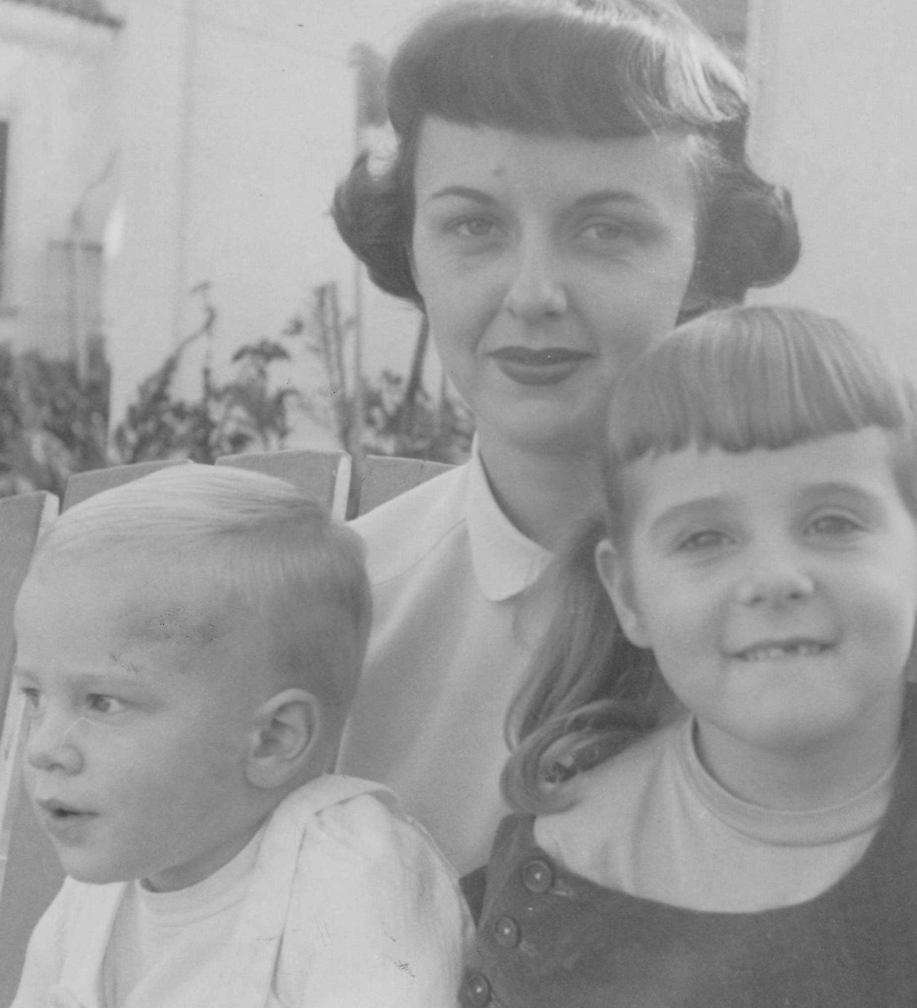 Betty, Bri, Annie (2).jpg