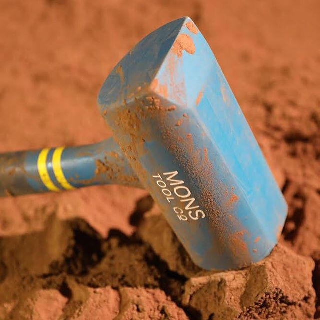 Second year @johnboranjr designed Mons Tool Co., geology tools for Mars, as part of his thesis exploring product design for future people going to and living on Mars. To learn more about John's thesis, join us on Tuesday, May 14th! Link in bio.