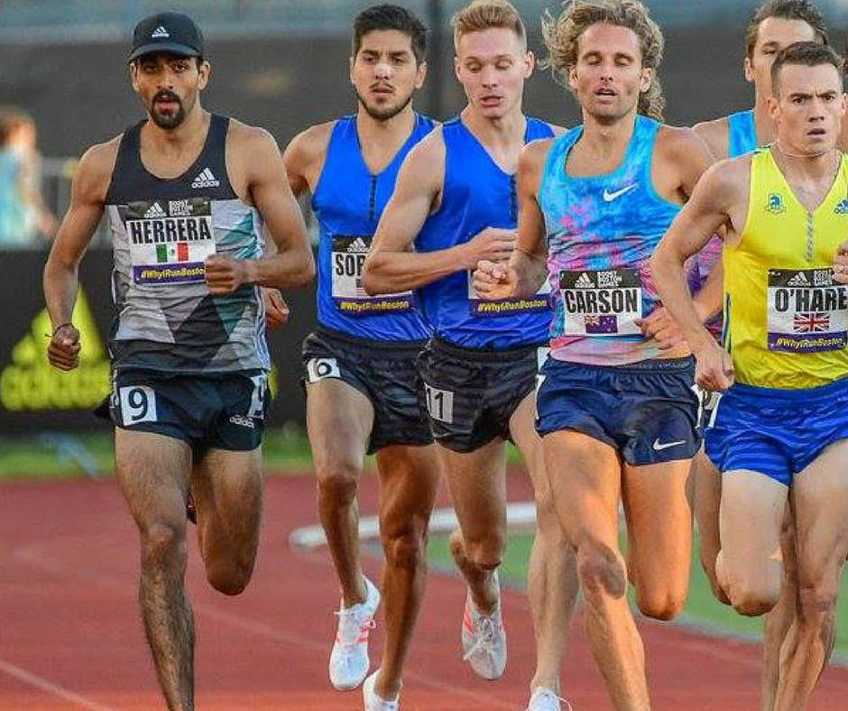 Daniel Herrera (left) competes at the 2017 adiBoost meet in the Men's 1500m. Photo:
