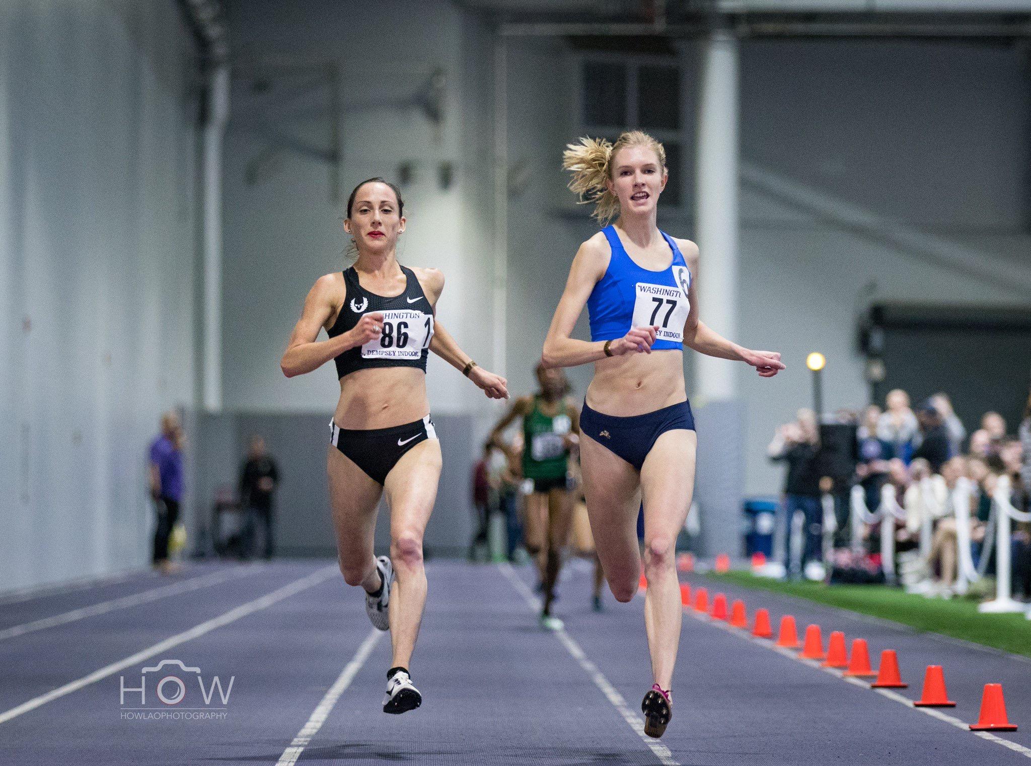 Eleanor Fulton (#77) winning the 2019 UW Indoor Preview 3,000m in 9:02.