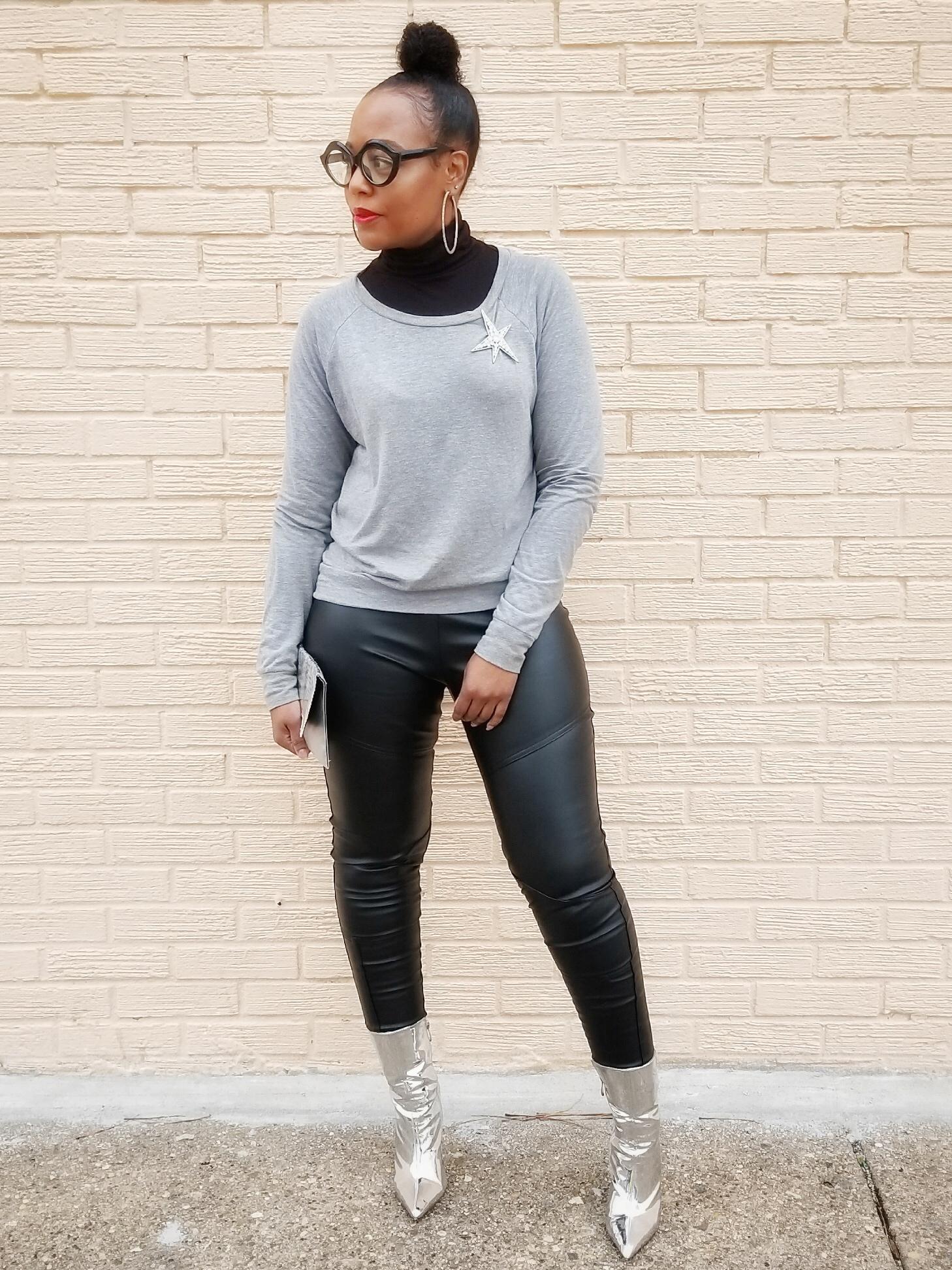 Sweatshirt (Forever21) Alternatives  here  | Turtleneck (Primark) | Pants (Primark) | Boots (Windsor)