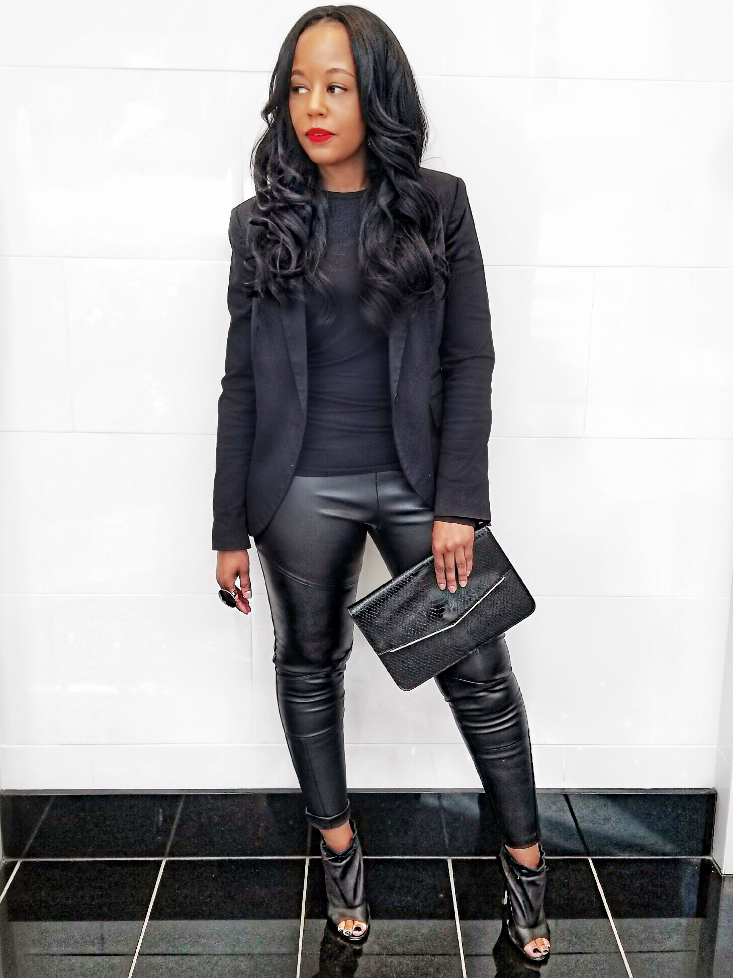 How-To-Style-An-All-Black-Outfit-Two-Ways
