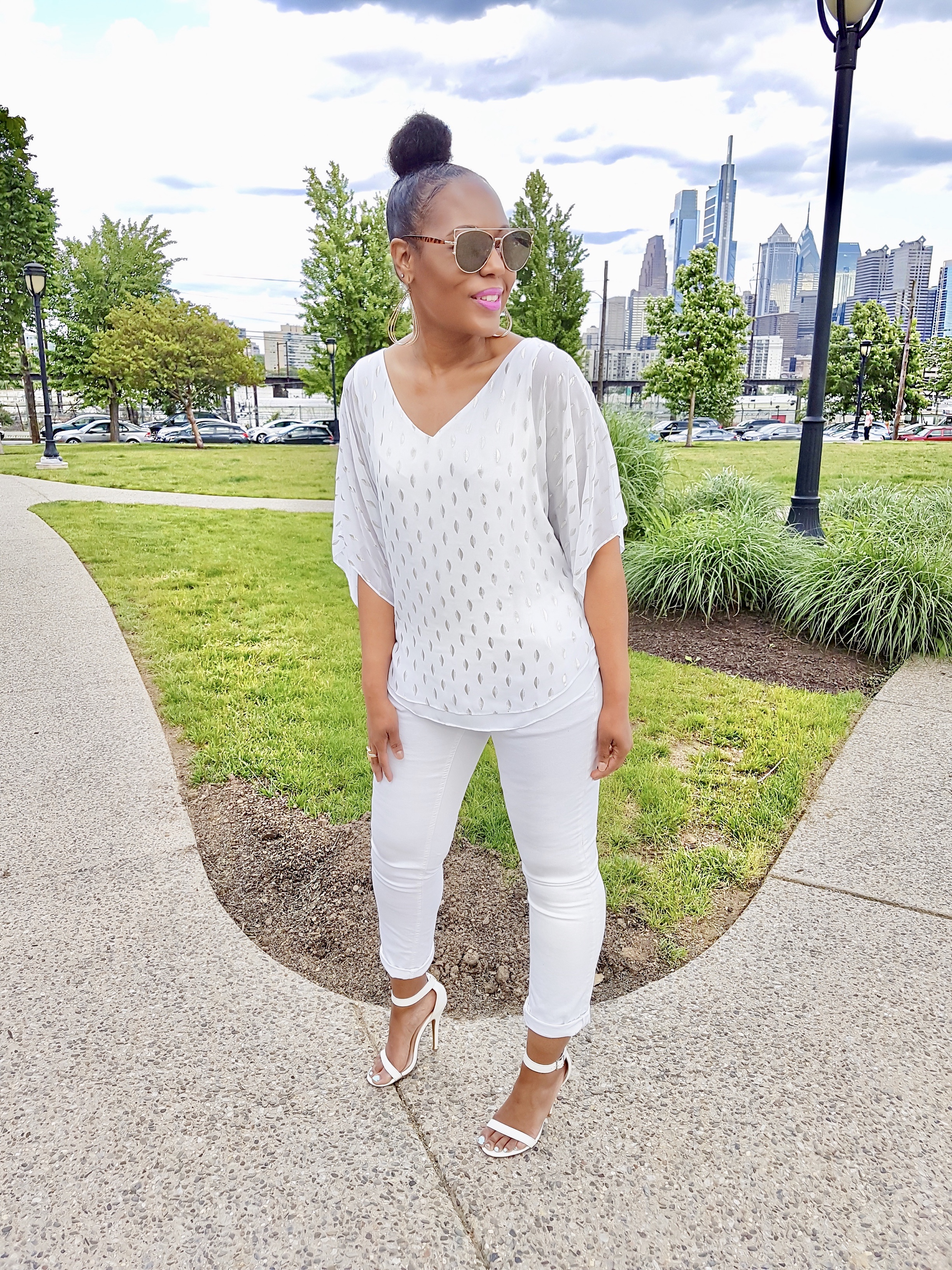 how-to-style-white-jeans-this-spring-and-summer