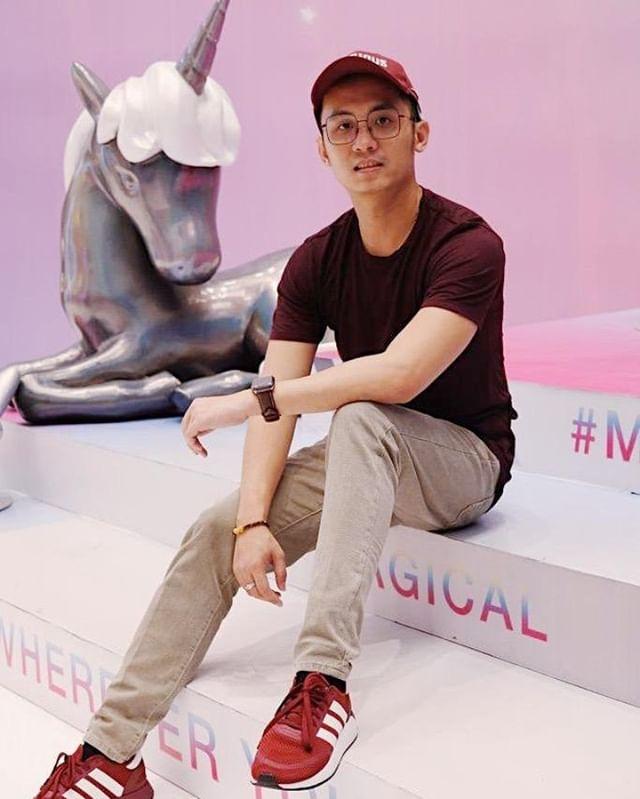 Stay magical and be a unicorn in a field of horses 🌈 .  Selama Unicorn Land di Mall of Indonesia juga ada Shopping Programnya loh! .  Dapatkan random Unicorn merchandise dengan min. pembelanjaan Rp. 500.000* atau dapatkan Unicorn Plush langsung kalau kamu belanja min. Rp. 2.000.000* .  Syarat dan ketentuan langsung cek di website di bagian Shopping Program ya! .  #moi #mallofindonesia #moiunicornland #unicornland #unicornevent #unicorn #land #eventmall #eventjakarta #akunaura #naura #temannaura #joviadhiguna #janineintansari #meetandgreet #dreamy #magical #ponyrides #photoinstallation #instagramable #playland #market #shoppingprogram #snap #sparkle #share