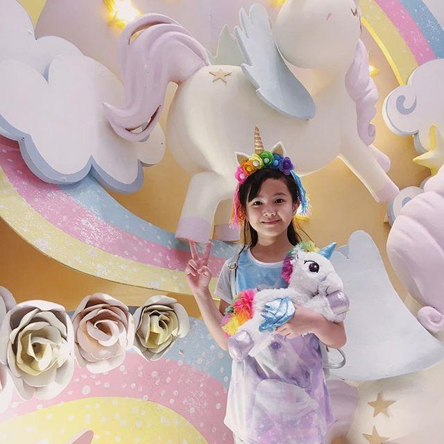 Mau dapetin Unicorn Plush yang lucu banget kayak gini? Gampang banget! Ikutin aja Shopping Programnya yang berlangsung sampai dengan 14 Juli 2019. .  Dapatkan random Unicorn merchandise dengan min. pembelanjaan Rp. 500.000* atau dapatkan Unicorn Plush langsung kalau kamu belanja min. Rp. 2.000.000* .  Syarat dan ketentuan langsung cek di website di bagian Shopping Program ya! .  #moi #mallofindonesia #moiunicornland #unicornland #unicornevent #unicorn #land #eventmall #eventjakarta #akunaura #naura #temannaura #joviadhiguna #janineintansari #meetandgreet #dreamy #magical #ponyrides #photoinstallation #instagramable #playland #market #shoppingprogram #snap #sparkle #share
