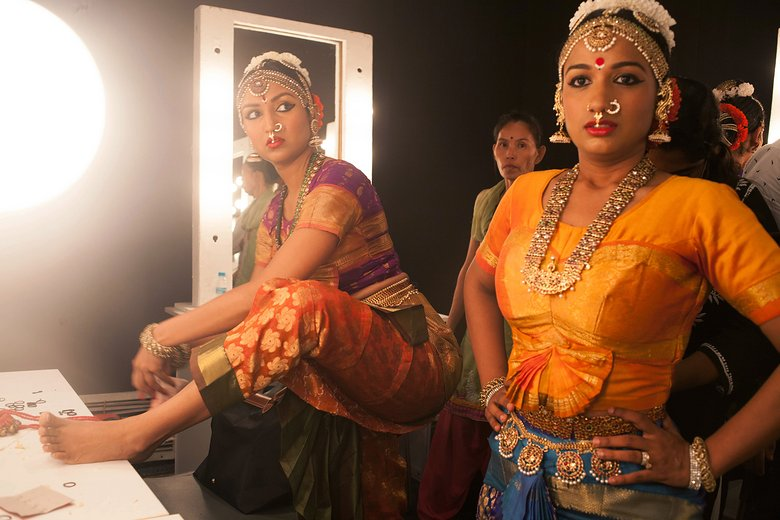 indian-bridal-fashion-week01.jpg