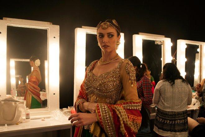 indian-bridal-fashion-week05.jpg