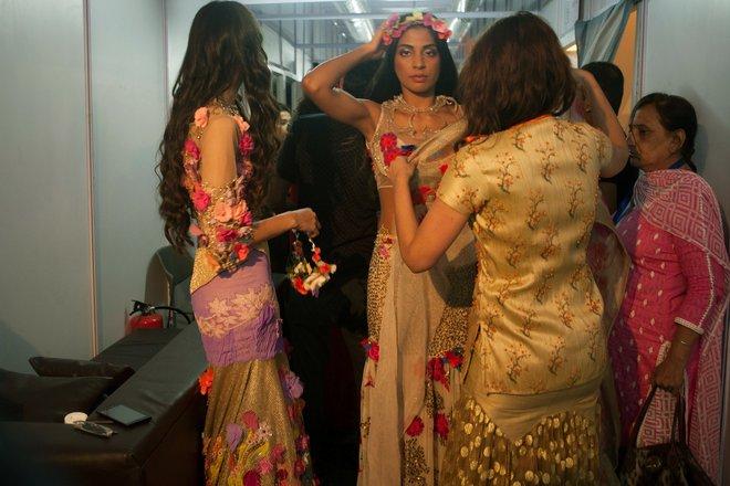 indian-bridal-fashion-week06.jpg