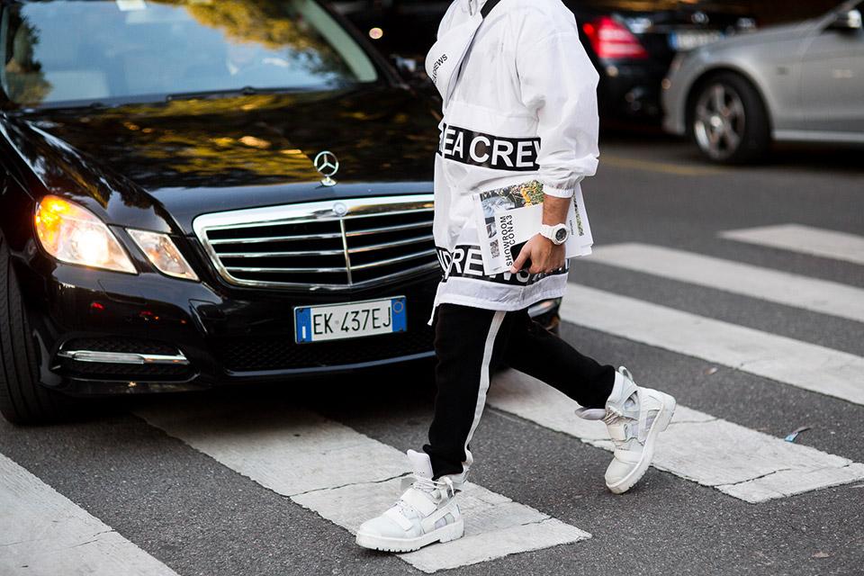milan-fashion-week-women-spring-summer-2016-street-style-09.jpg