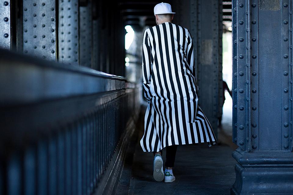 street-style-paris-fashion-week-womens-spring-summer-2016-part-1-11.jpg