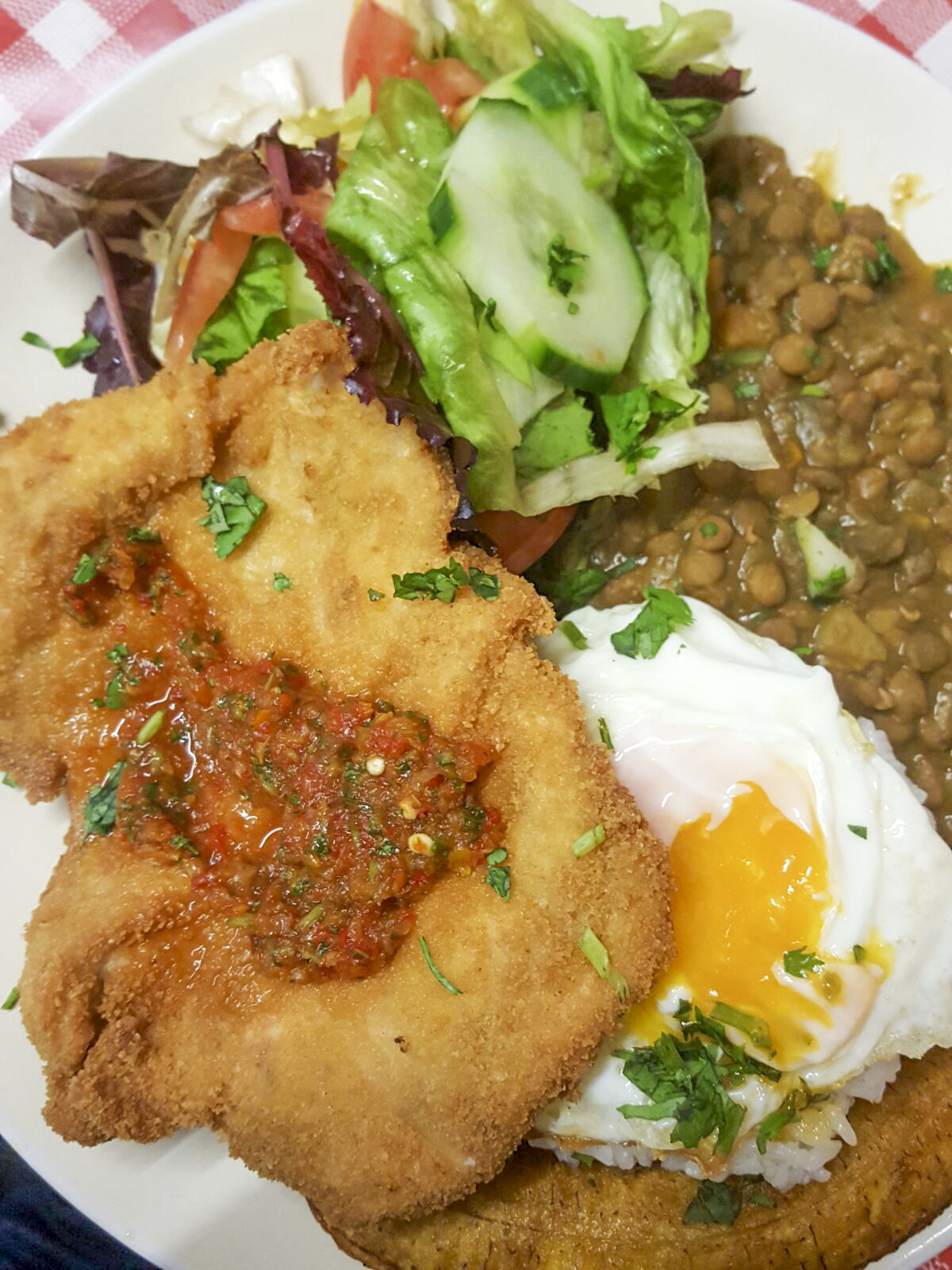 fried chicken main with lentils, rice, egg, salad and plantain, El Arepazo, Holloway