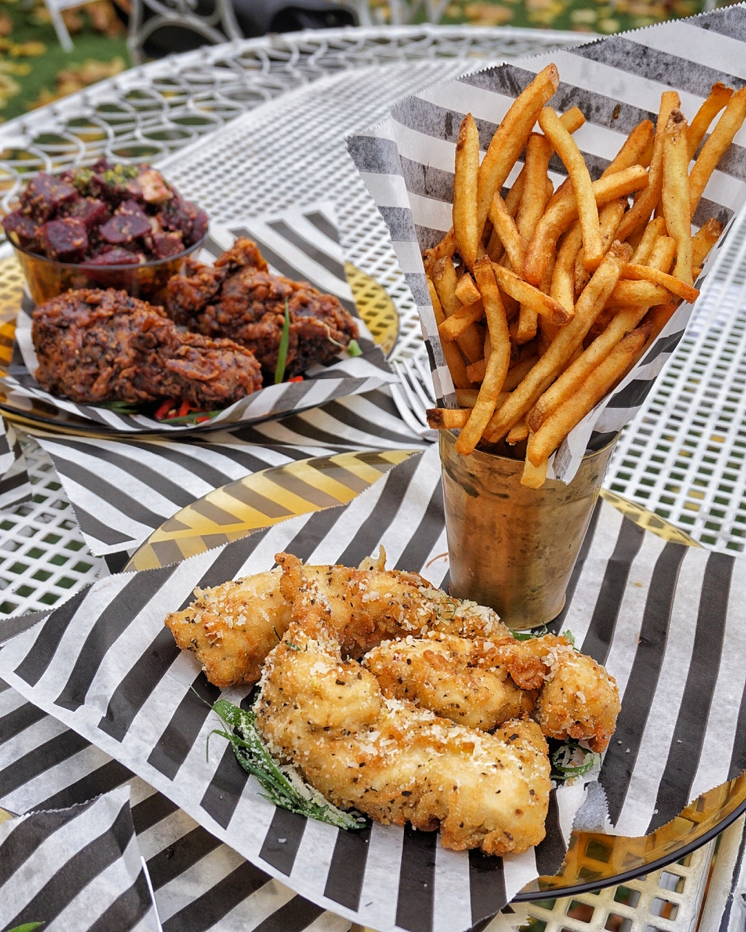 Chicken tenders with twice-fried fries