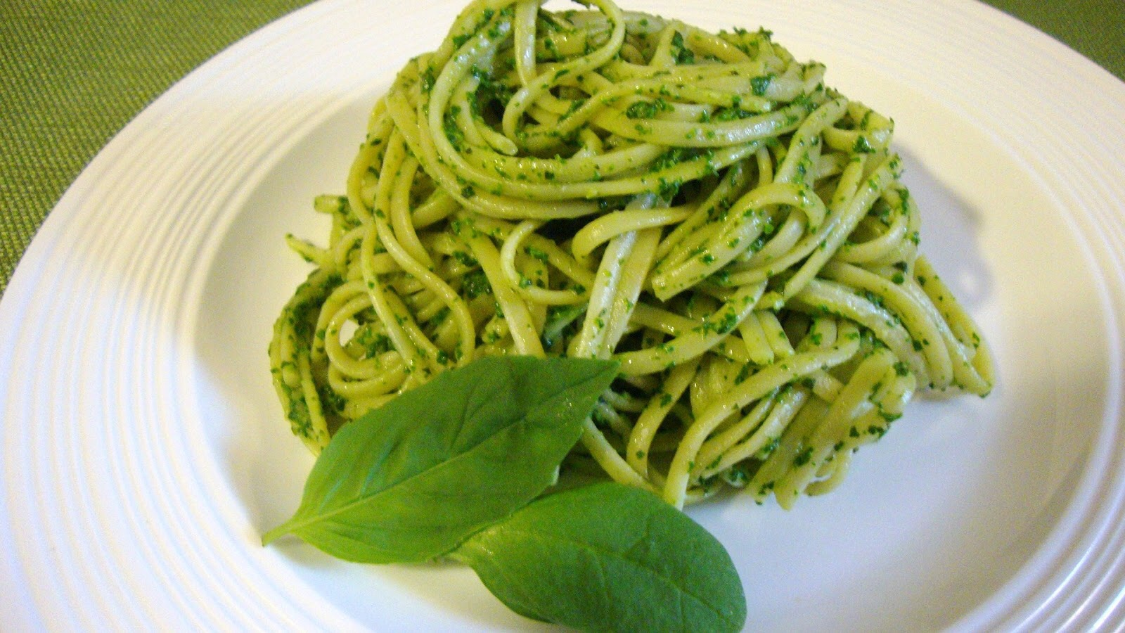 Linguine-Pesto-2.jpg