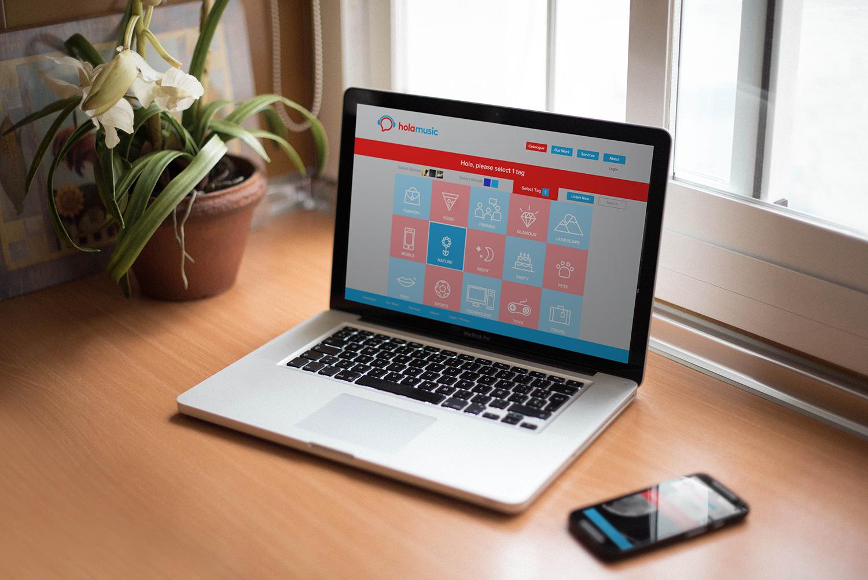 holamusic-laptop.jpg
