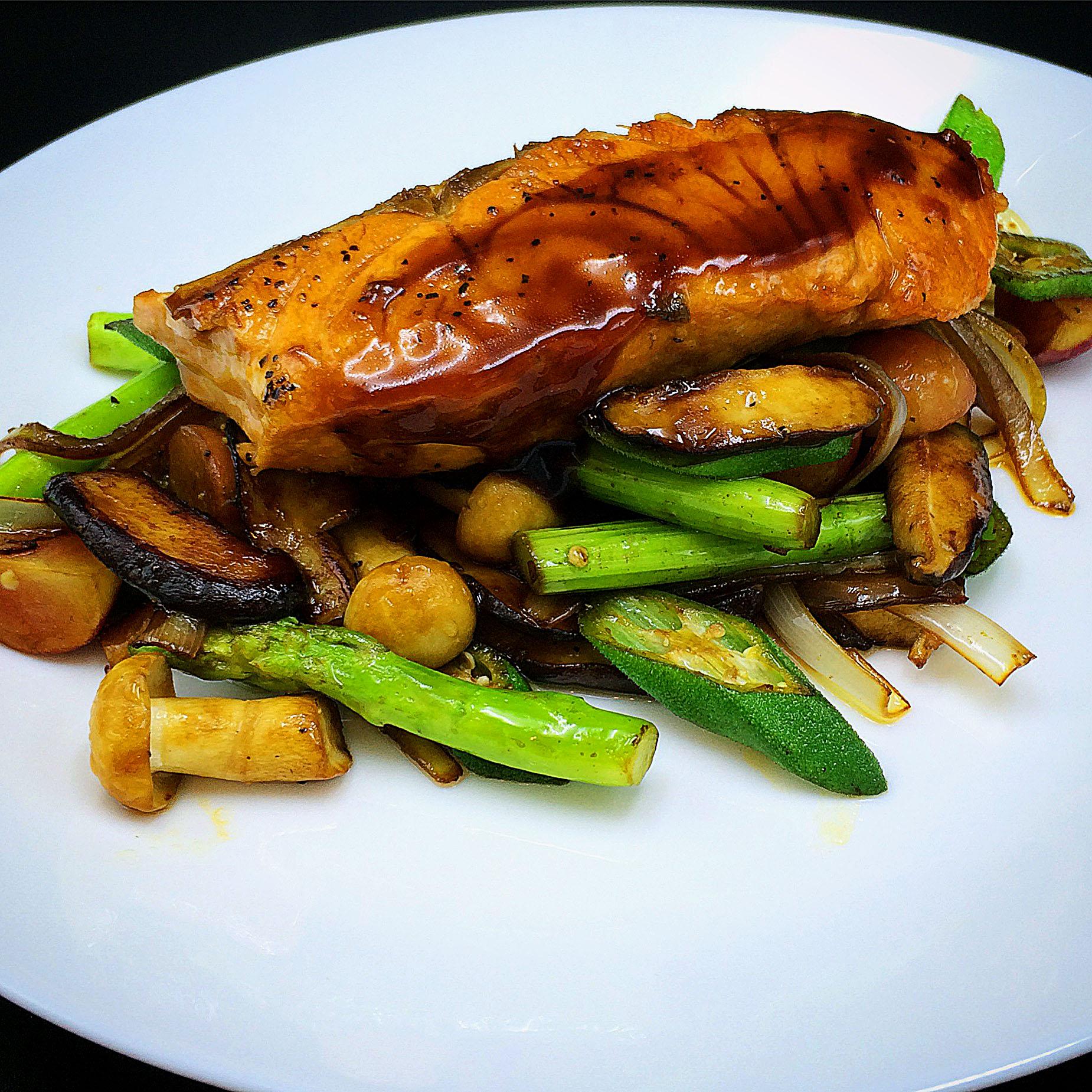 xinwei cook - terixaki salmon / via kitchen-impossible.net