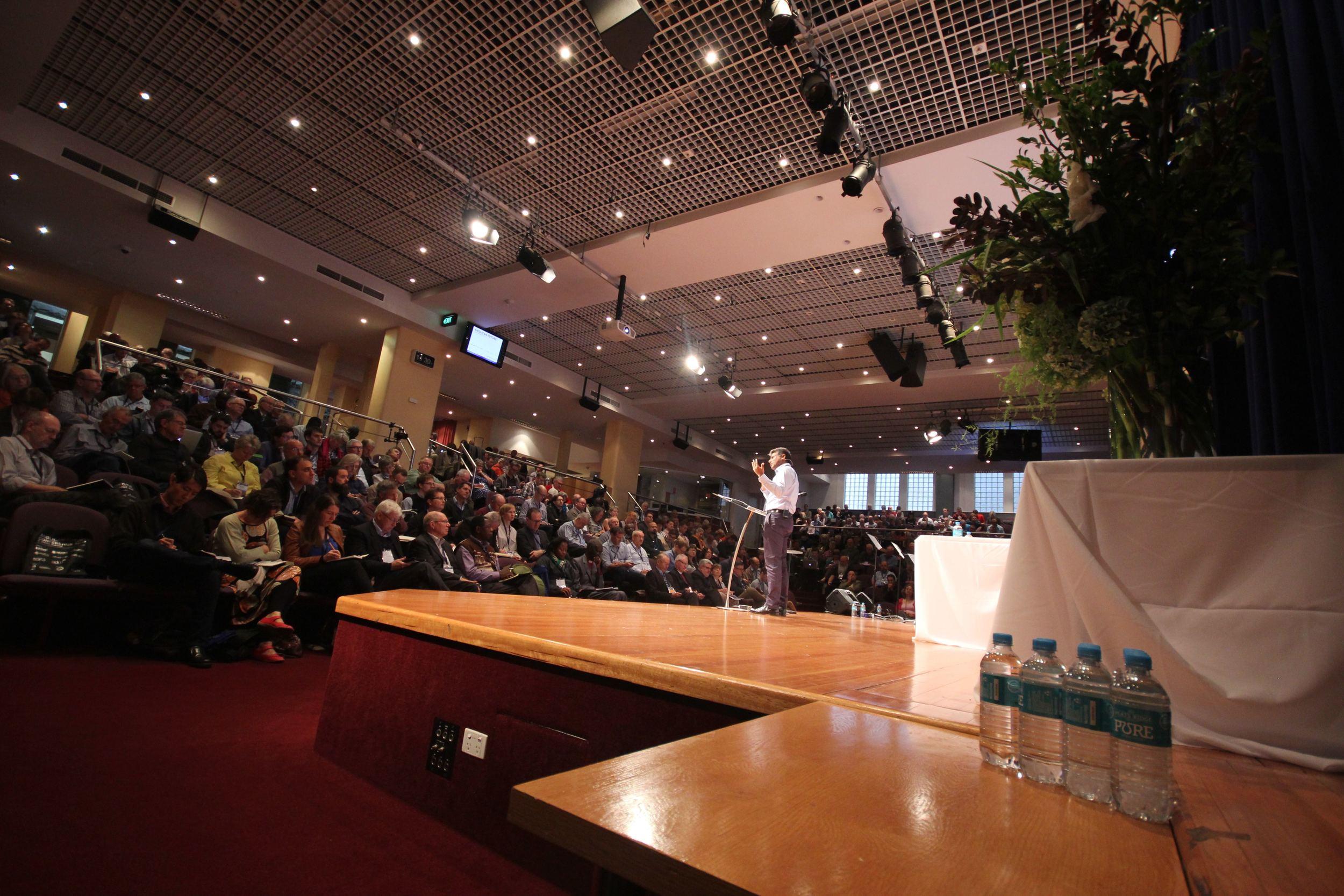 Kansihka and crowd.jpg