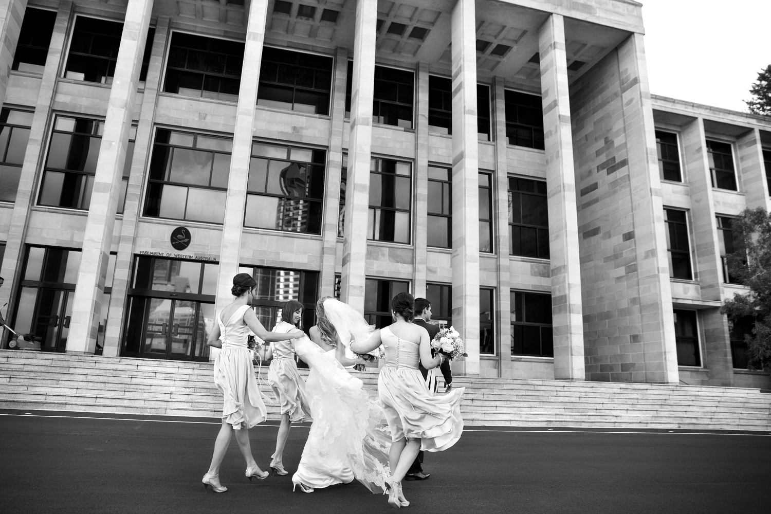 perth wedding photos at parliament house