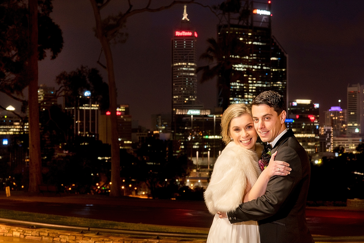 48_perth skyline wedding photo.jpg