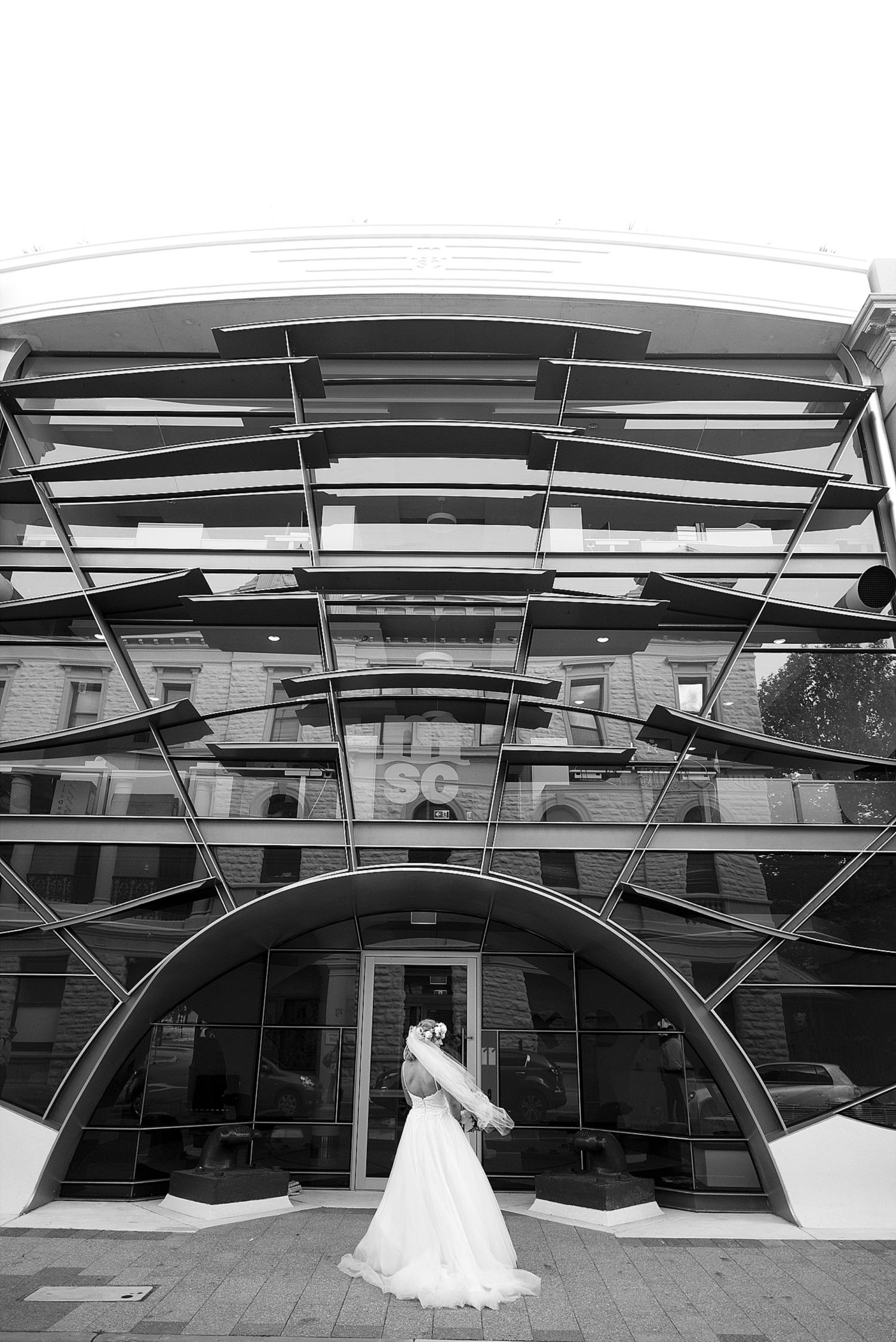 20_perth wedding photographers deray and simcoe.jpg