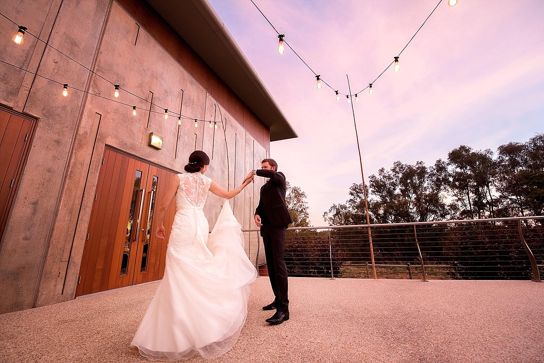 26_perth wedding photographers deray and simcoe.jpg