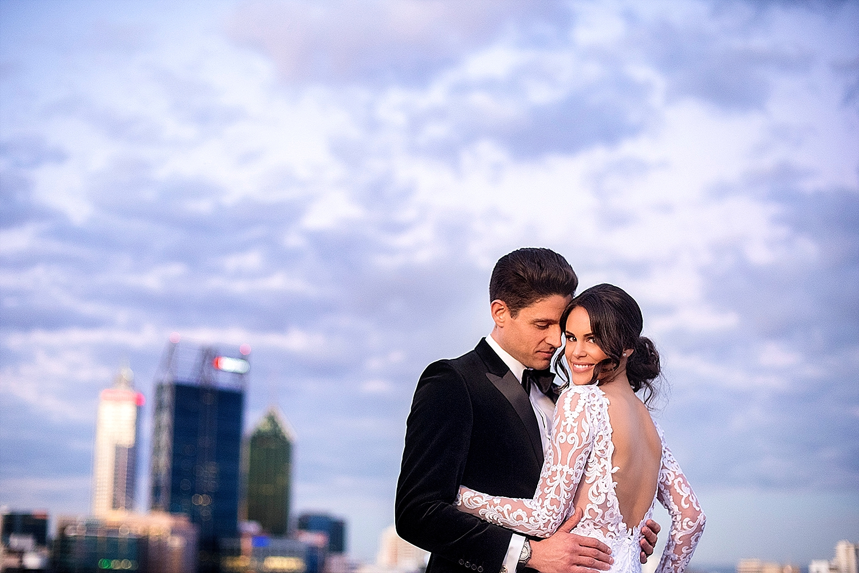 46_perth wedding photographers deray and simcoe.JPG