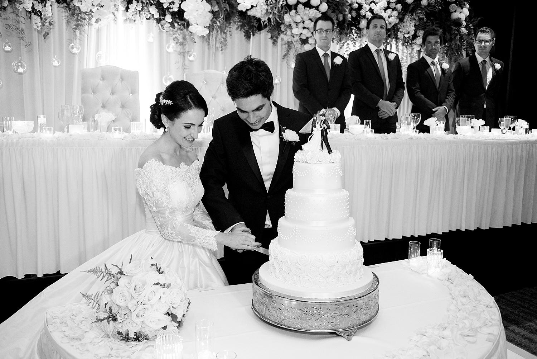 97_uwa club wedding perth vintage wedding cake.jpg