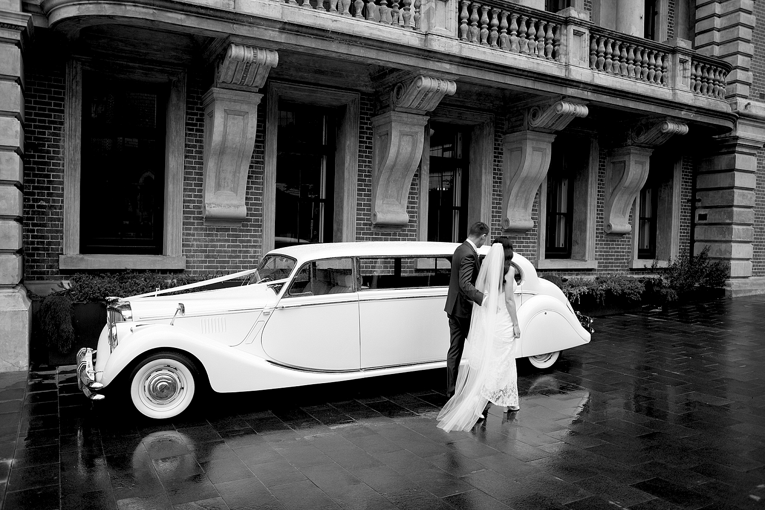 63_wedding cars out front of Como Treaury Perth.jpg