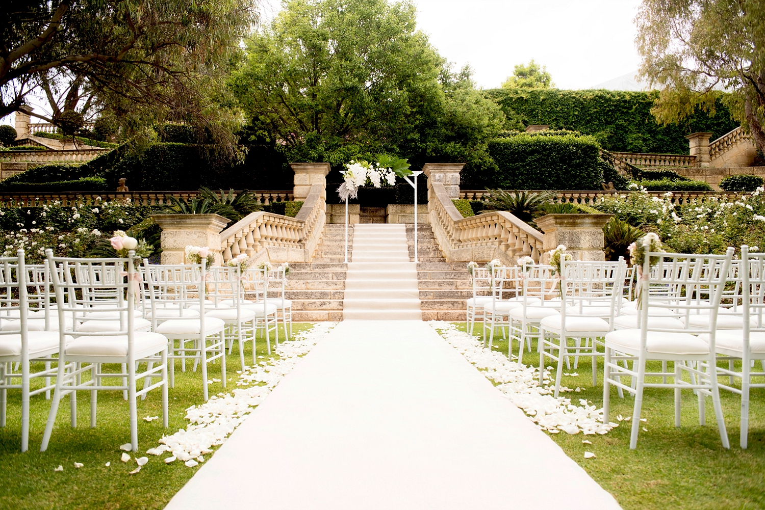 13_caversham house sunken gardens wedding perth.jpg