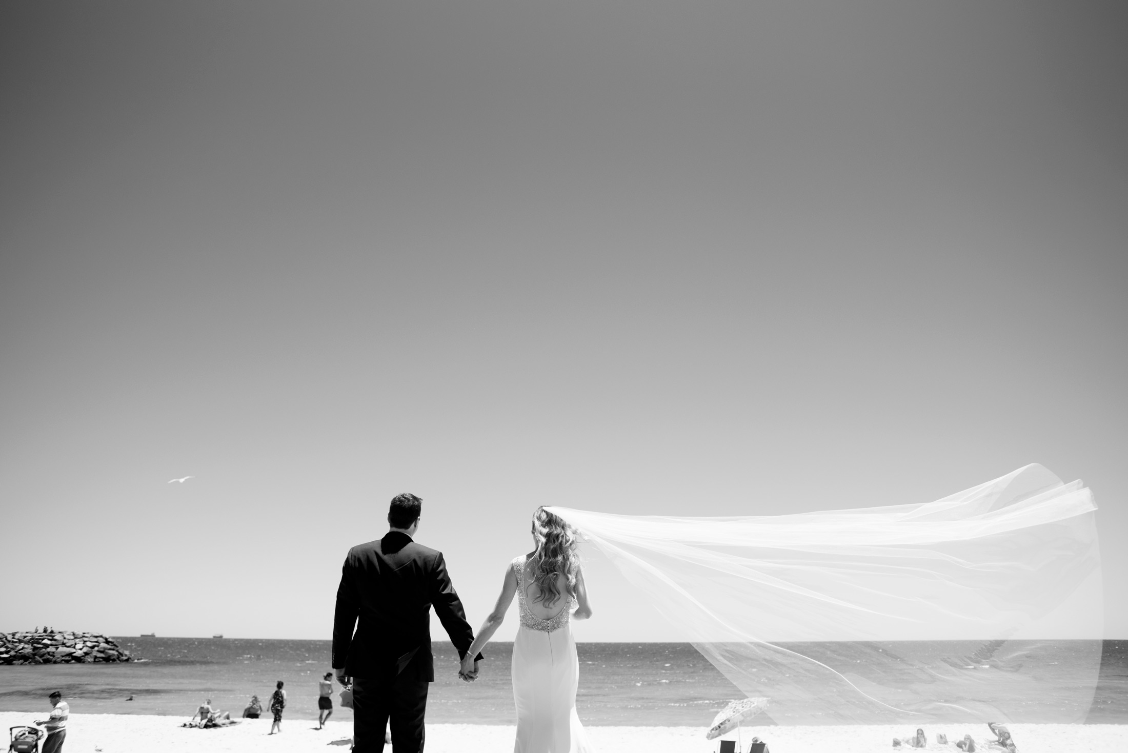 deray-simcoe_wedding-photography-cottesloe-beach.jpg