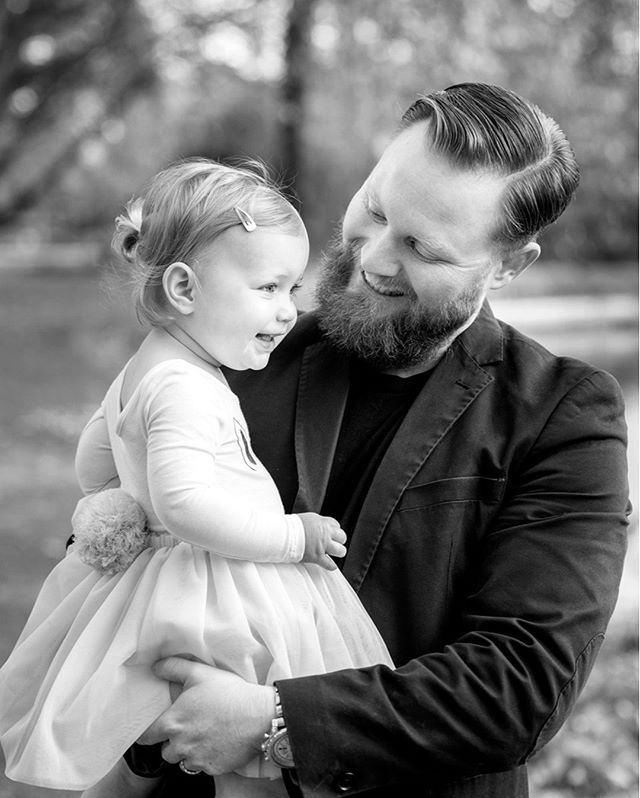 This lovely Daddy Cameron has three girls and he loves it! Do you know a Dad of all girls who wouldn't change it for the world? .⠀⠀⠀⠀⠀⠀⠀⠀⠀ .⠀⠀⠀⠀⠀⠀⠀⠀⠀ .⠀⠀⠀⠀⠀⠀⠀⠀⠀ .⠀⠀⠀⠀⠀⠀⠀⠀⠀ .⠀⠀⠀⠀⠀⠀⠀⠀⠀ .⠀⠀⠀⠀⠀⠀⠀⠀⠀ .⠀⠀⠀⠀⠀⠀⠀⠀⠀ .⠀⠀⠀⠀⠀⠀⠀⠀⠀ .⠀⠀⠀⠀⠀⠀⠀⠀⠀ #blackandwhite #daddysgirl #family #portrait #portraitperth #portraitphotographerperth #cute #daughter #daddy #perthcreatives #familytime #preciousmemories #printyourphotos #perthfamilyphotos #perthfamilyphotography #perthphotographer #lifestylephoto #hydeparkperth #kids #love #perth #perthstyle #nikon #childhood #play #perthkids #perthmum #perthdad