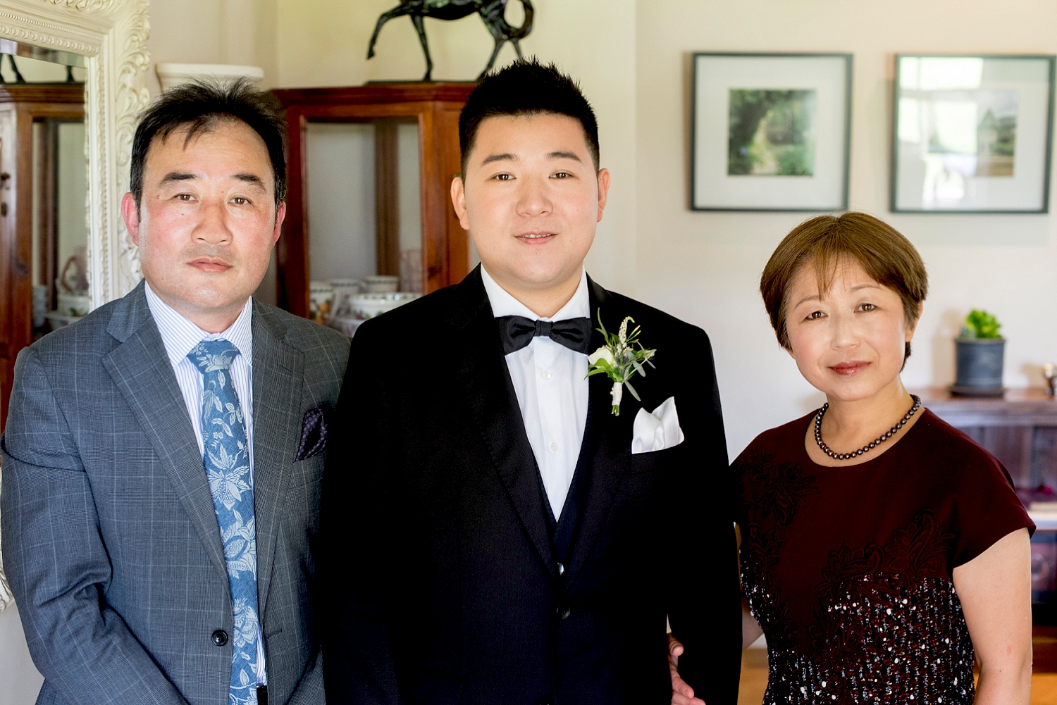 04_groom and parents.jpg