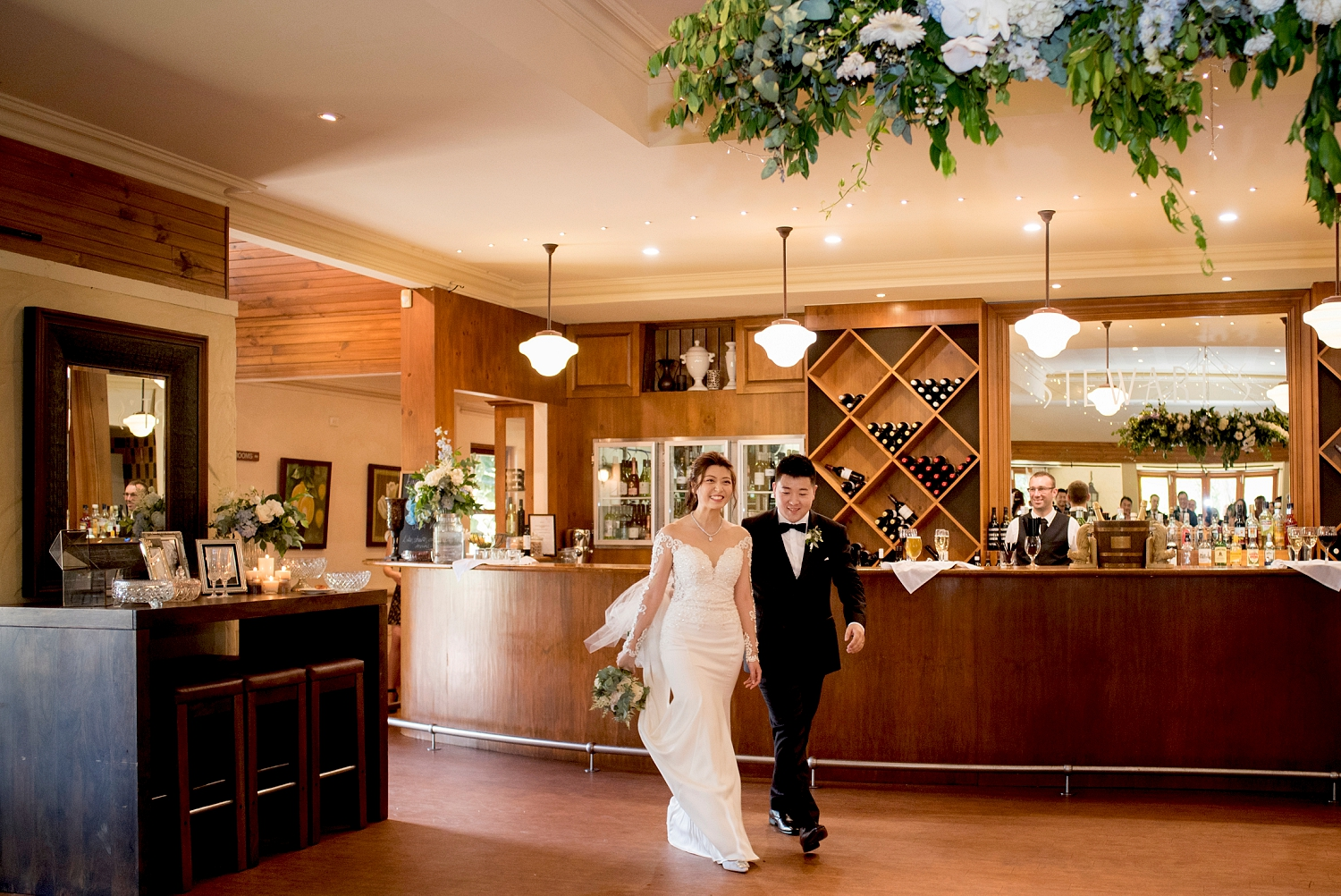 26_stewarts restaurant wedding swan valley.jpg