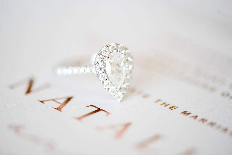 01_pear shaped diamond ring wedding perth.jpg