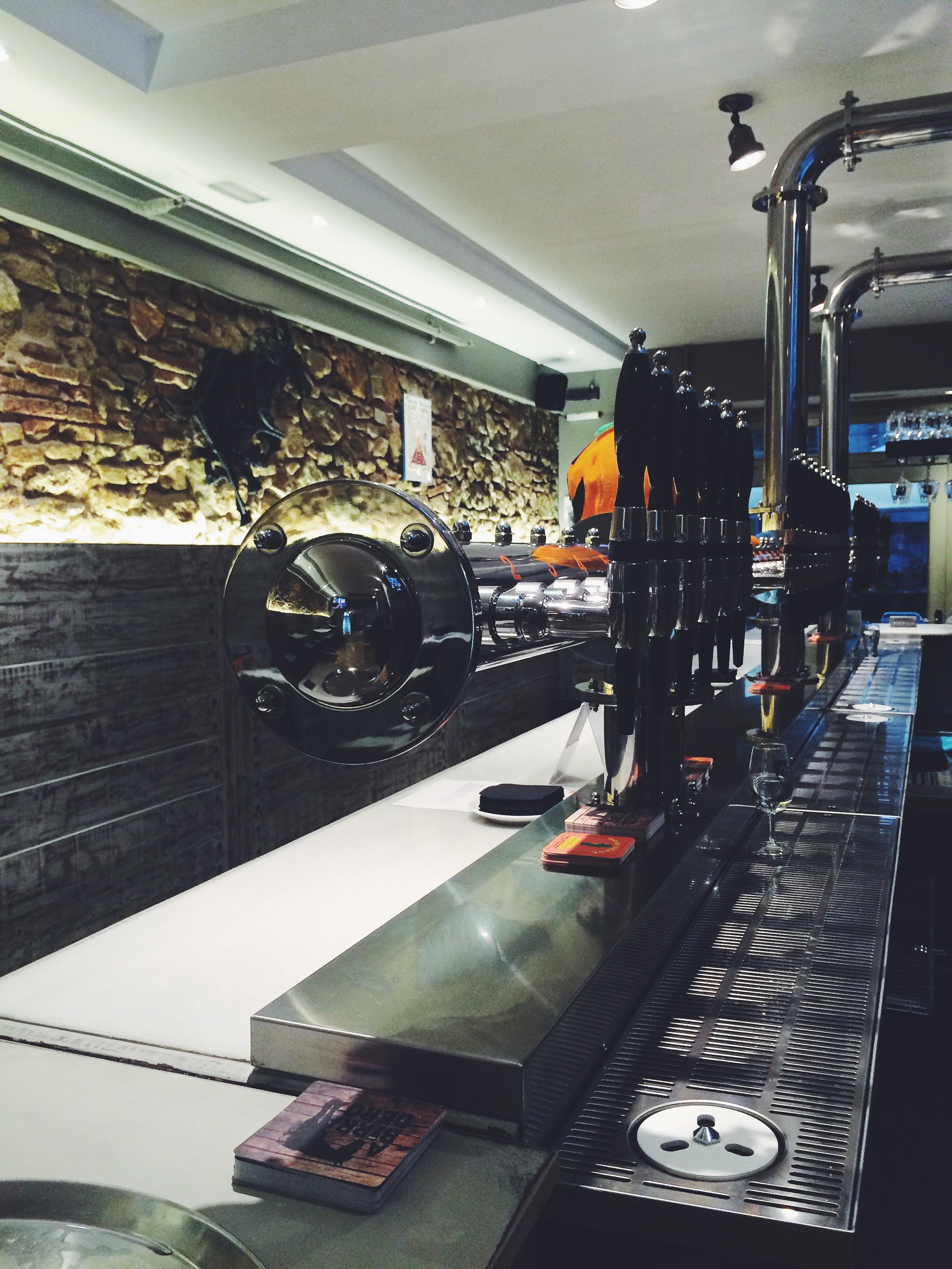 Abirradero craft beer bar, Barcelona