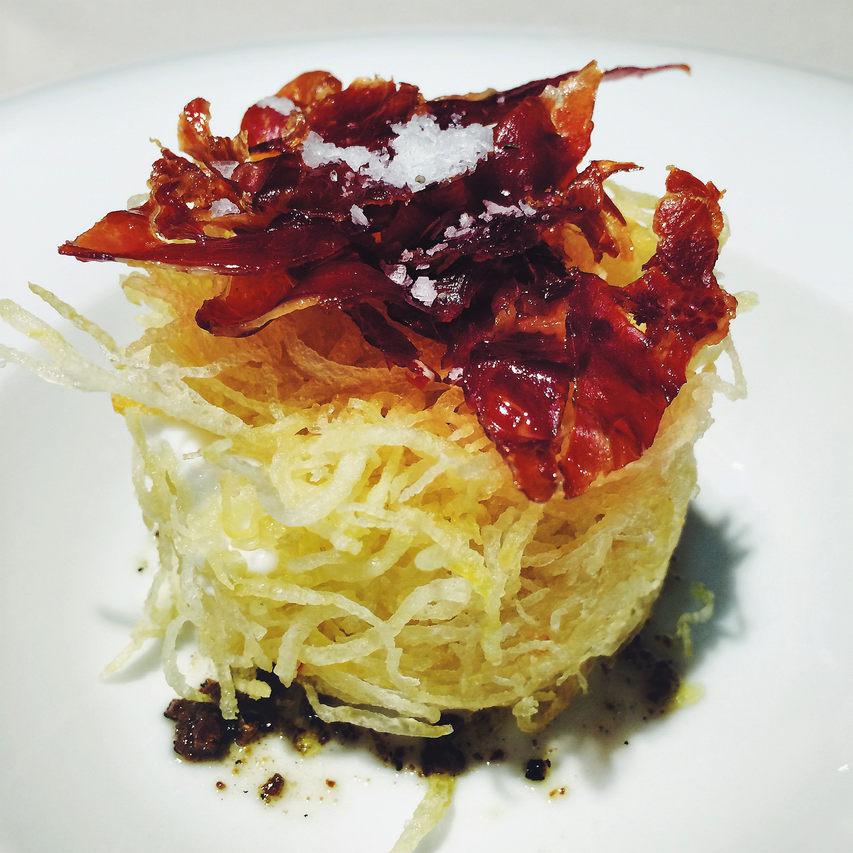 Potato, jamón and egg at Taverna del Clinic