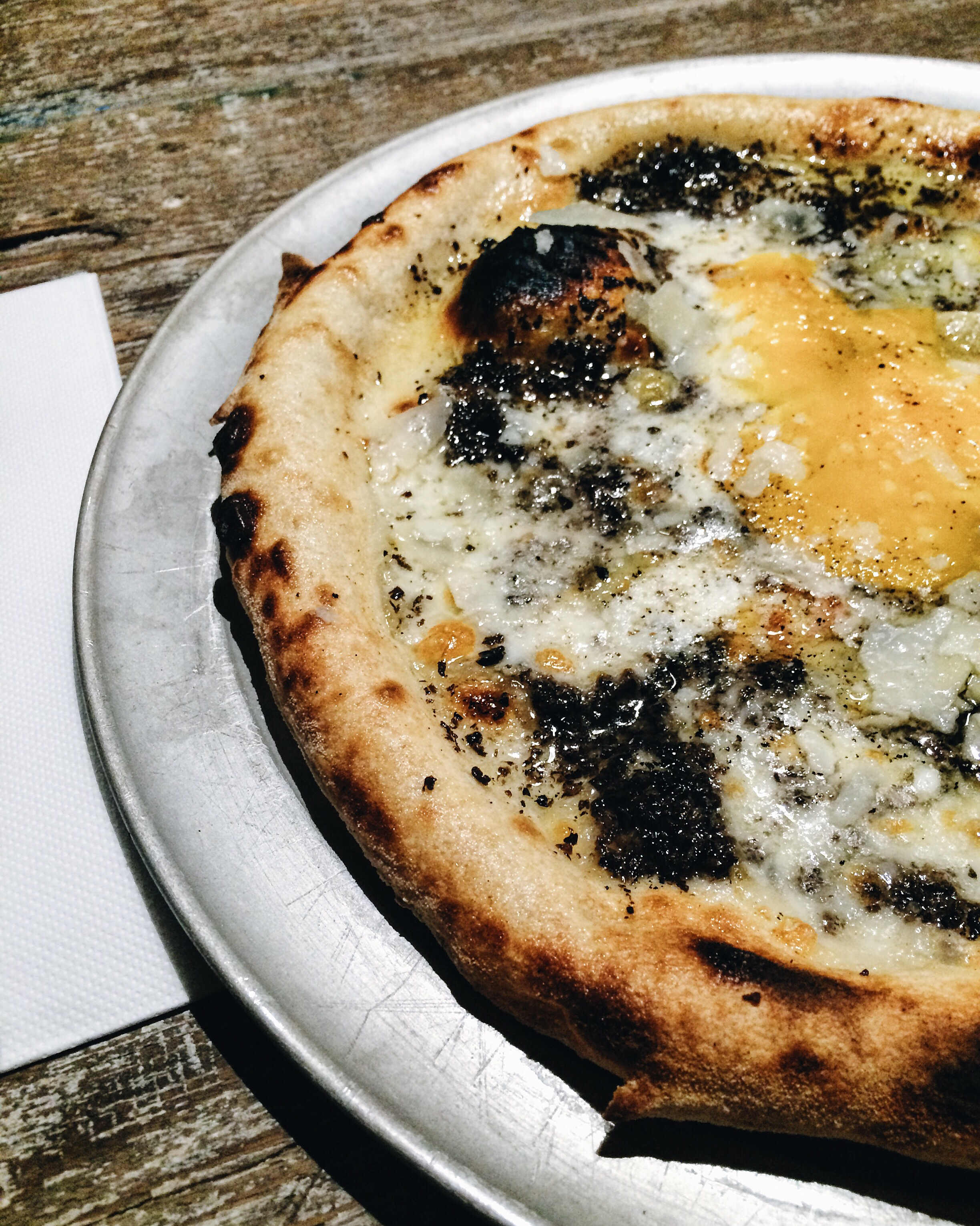 Egg and truffle pizza at Parking Pizza, Barcelona